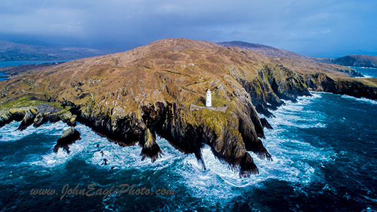 Ardnakinna lighthouse, Bere Island